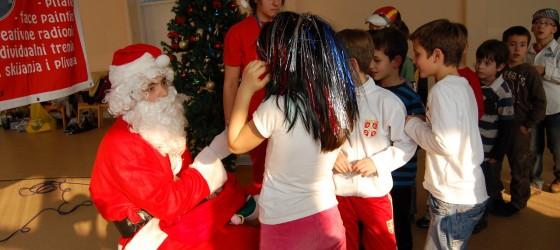 Новогодисње спортске радионице (плес у школе – деца то воле)